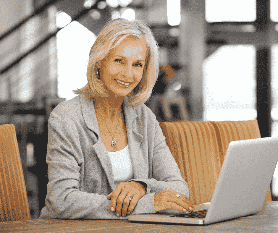 starejši-zaposleni-in-tehnologija