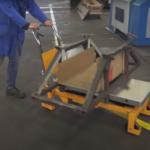 Izobraževalni posnetek Alumat d.o.o.: Prilagoditev delovnih mest za izboljšanje ergonomskih pogojev dela